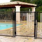 Comment poser ses barrières de sécurité autour de sa piscine