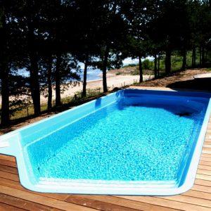 Comment choisir une piscine en polyester?