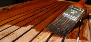 Comment appliquer du vernis sur du bois?
