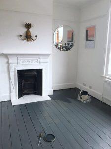 Comment peindre le sol de sa maison en 4 étapes comme un professionnel ?