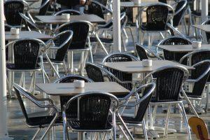 Chaises pour mon restaurant, laquelle dois-je choisir