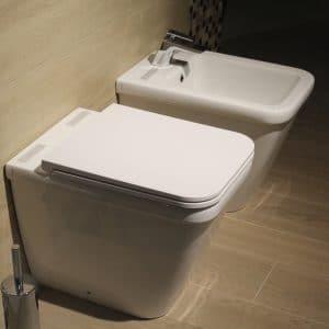 Comment changer un abattant de WC ?
