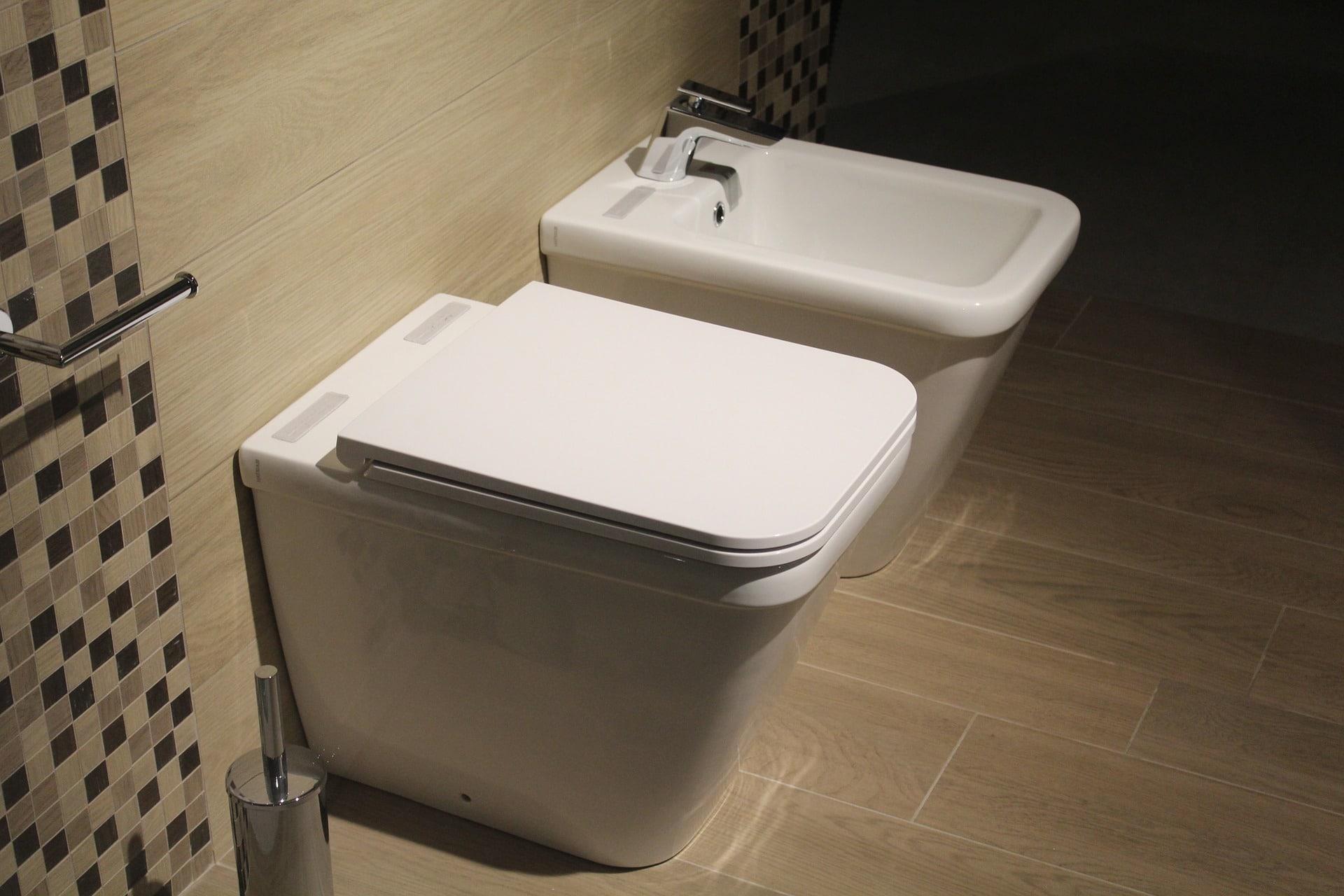 Changer Une Cuvette De Wc comment changer un abattant de wc ? - mon coach brico