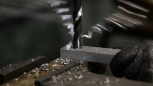 Comment percer du métal