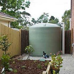 Installer un récupérateur d'eau de pluie