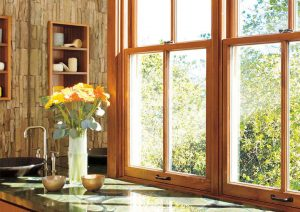 peindre une fenêtre en bois